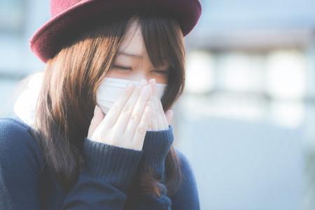 花粉症が辛い女の子